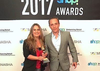 Gustavo y Paula Recibiendo el Oro 2017